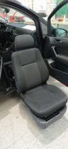 Le siège Pivotant Sortant : Le Turny  sur le Volkswagen Touran.