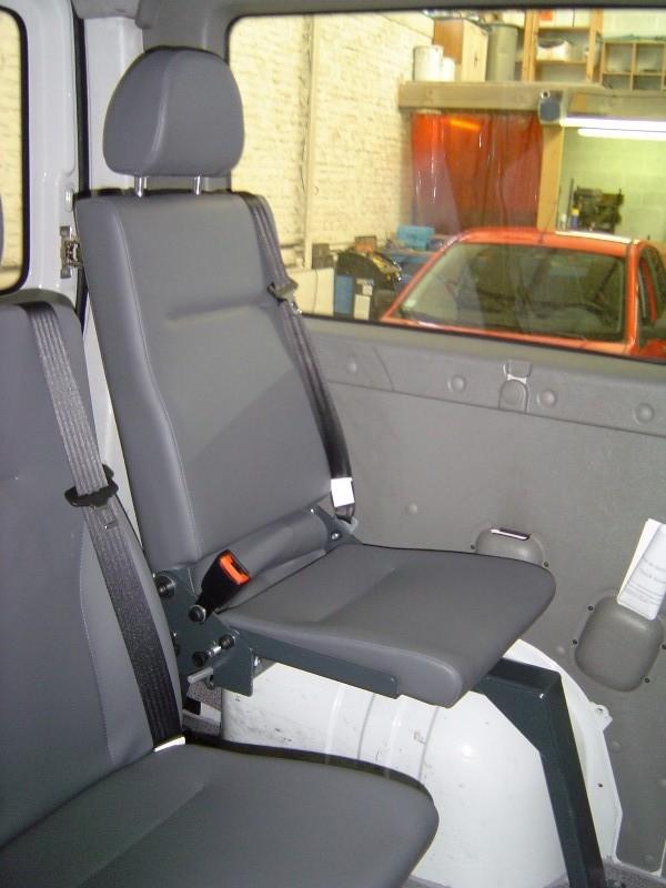 equipement v hicule pour le transport de personnes mobilit s r duites. Black Bedroom Furniture Sets. Home Design Ideas