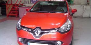Manettes accélérateur/frein sur la Renault Clio IV
